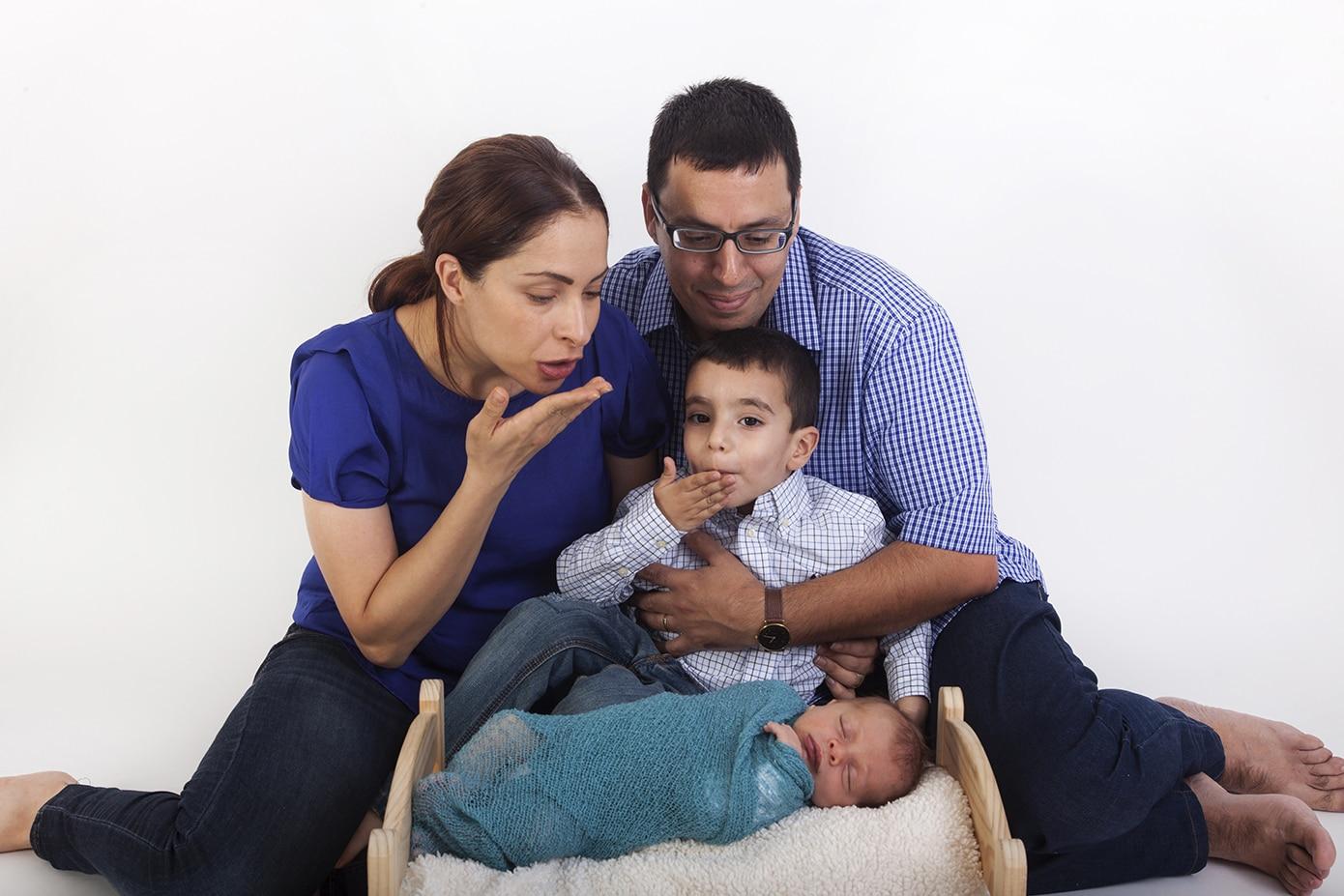 צילומי משפחה וניובורן סטודיו גיל לוין (9)