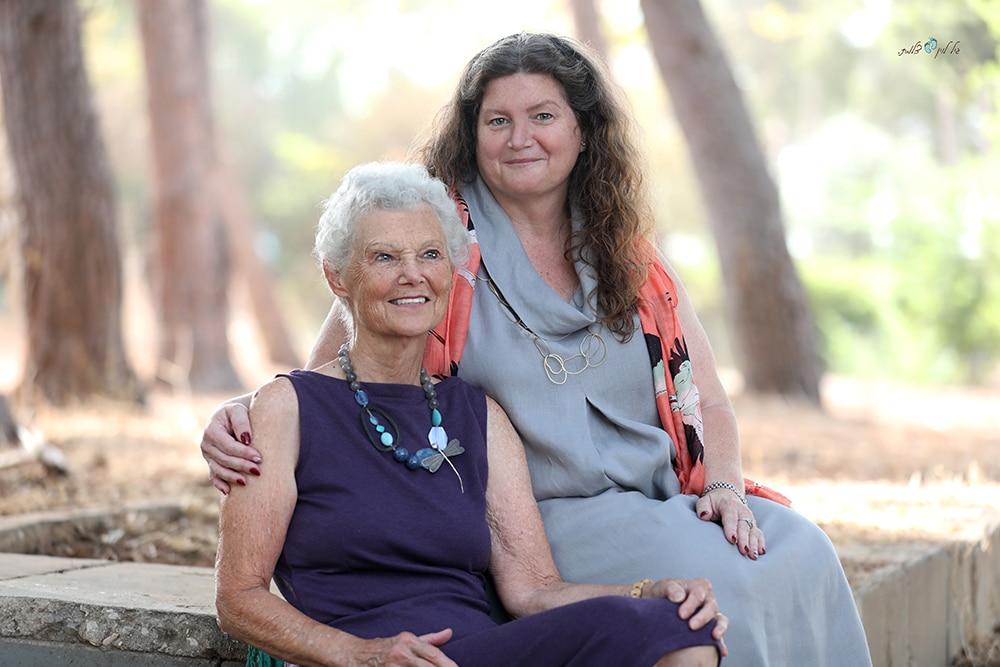 אם ובת צילום גיל לוין (3)